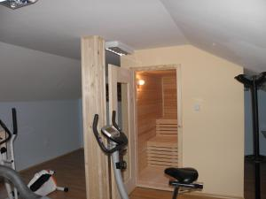 The fitness center and/or fitness facilities at Family Hotel Vityaz House