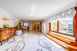 O saguão ou recepção de Hotel Ai Reali - Small Luxury Hotels of the World