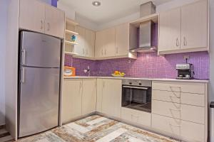 A kitchen or kitchenette at Casa Kasteli