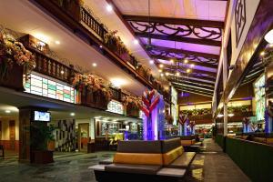 De lobby of receptie bij Holiday Villa Beach Resort & Spa Langkawi