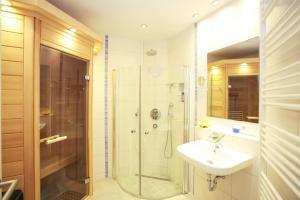 Ein Badezimmer in der Unterkunft Kurpark-Oase