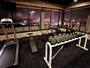 The fitness center and/or fitness facilities at Grand Park Xi'an