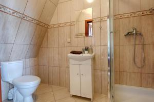 A bathroom at willa anulka