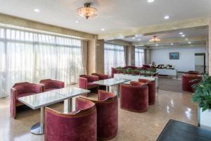 松榮第2日式旅館酒吧或休息區