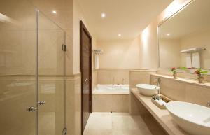 حمام في  منتجعات ﭽاز ألماظة باى
