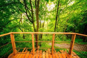 Balkón nebo terasa v ubytování Treehouse pod Jestedem