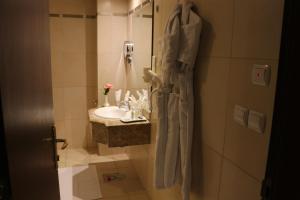 Um banheiro em Province Al Sham Hotel