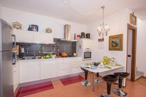 Een keuken of kitchenette bij Casa Delle Mele