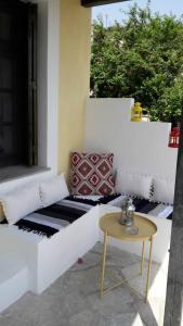 A seating area at Aperanto Galazio