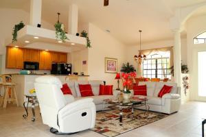 Ein Sitzbereich in der Unterkunft Villa Sunset