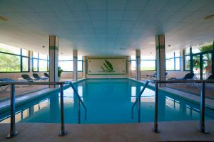 The swimming pool at or near Valentin Son Bou