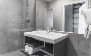 A bathroom at Notera Hotel SPA