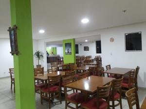 A restaurant or other place to eat at Cometa Palace Hotel