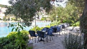 A restaurant or other place to eat at Hotel Vis