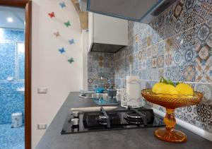 """A kitchen or kitchenette at """"Il Turista"""" Holiday Home"""