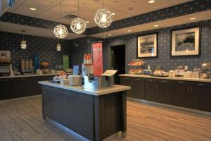 A restaurant or other place to eat at Hampton Inn West Plains