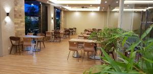 A restaurant or other place to eat at SP hotel