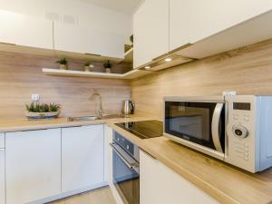 A kitchen or kitchenette at Apartament morski