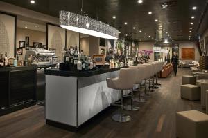 The lounge or bar area at LÉGÈRE HOTEL Bielefeld