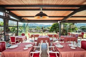 Un restaurante o sitio para comer en Mas Tapiolas