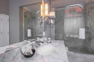 A bathroom at LHotel
