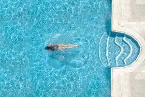 المسبح في فندق بوتيك هارموني أو بالجوار