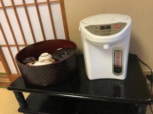 Coffee and tea-making facilities at Kotonoyado Musashino