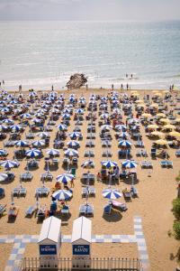 Pláž u hotelu