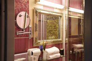 Ein Badezimmer in der Unterkunft Burghotel Bad Belzig