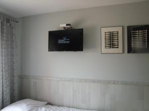 Telewizja i/lub zestaw kina domowego w obiekcie U Henriety