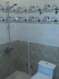 Um banheiro em Nozl el Masara Furnished apartments