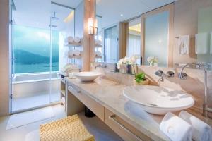 A bathroom at The Wen Wan Resort Sun Moon Lake