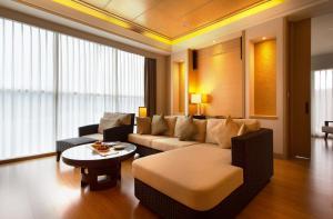A seating area at The Wen Wan Resort Sun Moon Lake
