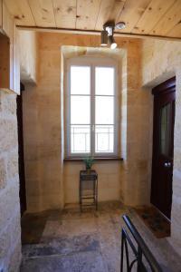 A seating area at Les Appartements de la Victoire