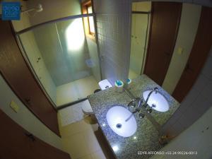 Um banheiro em Residência Angra Deep Blue