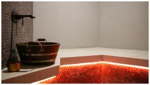 A bathroom at Alex Hotel & Spa