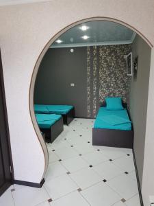 Кровать или кровати в номере Crystal Inn