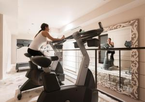 The fitness center and/or fitness facilities at Bastion Heritage Hotel - Relais & Châteaux