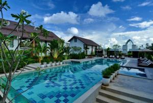 The swimming pool at or near Sukhothai Treasure Resort & Spa