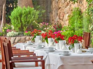En restaurang eller annat matställe på Hotel Bon Sol Resort & Spa