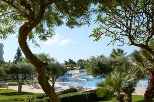 Widok na basen w obiekcie Electra Palace Rhodes - Premium All Inclusive lub jego pobliżu