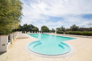 The swimming pool at or near White Sand Residence