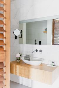 A bathroom at Boutique Hotel Catshuis