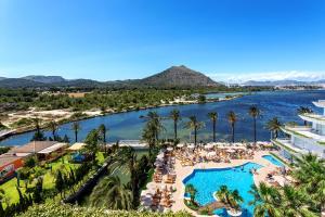 Uitzicht op het zwembad bij VIVA Eden Lago of in de buurt