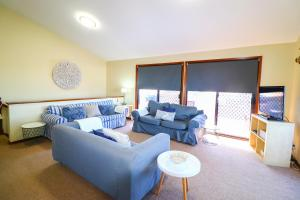 A seating area at Anglers Abode