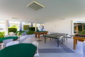Ping-pong facilities at Sunshine Praia Hotel or nearby