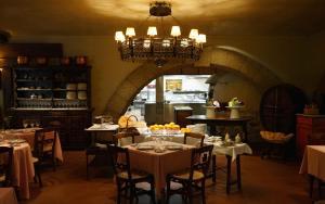 Un restaurante o sitio para comer en Landa