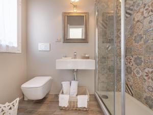 A bathroom at Panoramic Studio Carloforte