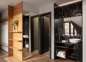 A bathroom at MOODs Charles Bridge