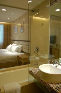 A bathroom at Grandview Hotel Macau
